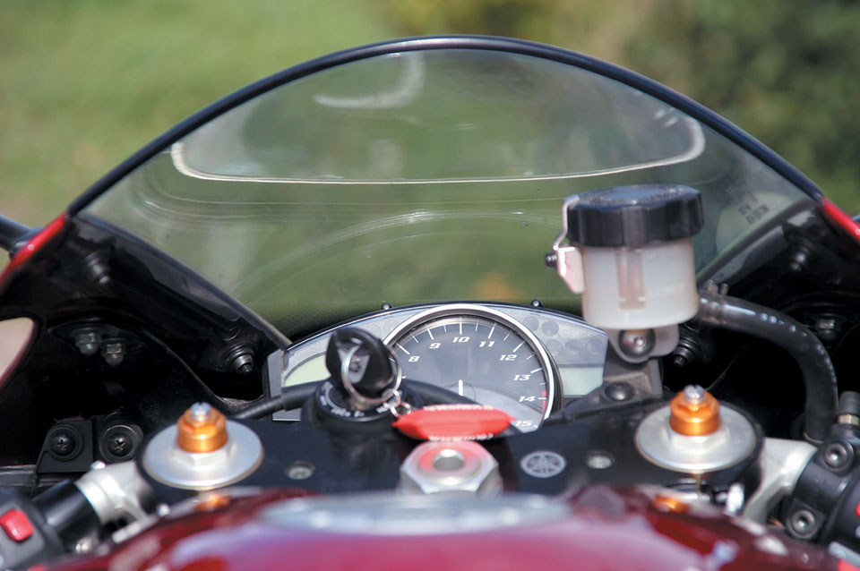 motorcycle_windshield